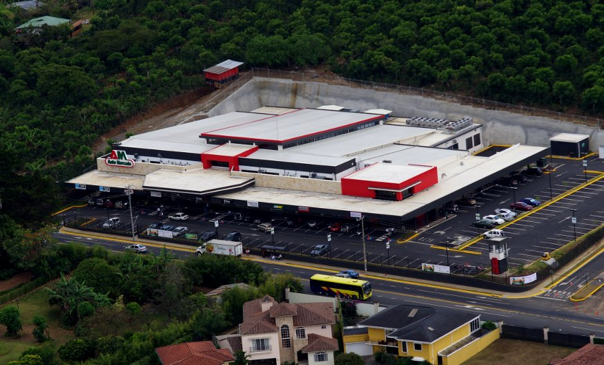 Holland-Roofing-Costa-Rica-Auto-Mercado1 (1)